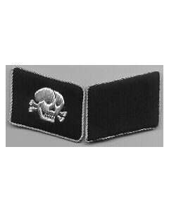 RSE51.Waffen SS officer skull collar tabs.Hand embroidered aluminum on black.Skull facing to the front